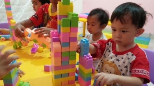 indoor-activity-lego-time-2