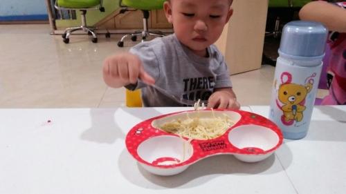 makan-sendiri-4